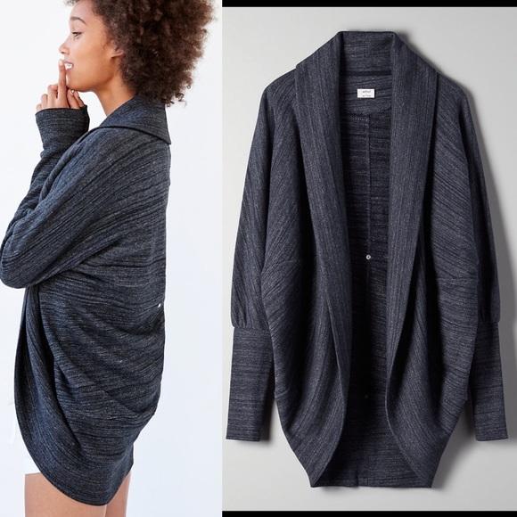 Aritzia Wilfred Diderot cocoon sweater sz m
